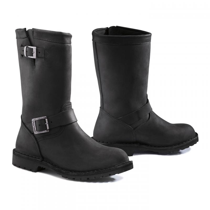 Form Black Dakota leather motorcycle boots