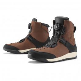 Questi biker boots sono gli stivali che stavi aspettando